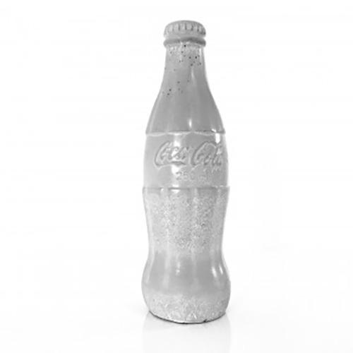 Betonnen vintage Coca Cola flesje van Almo design